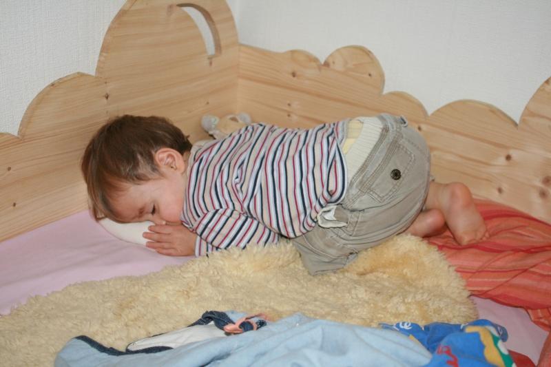 Fabriquer un lit d 39 enfant mamans nature forum grossesse b b - Fabriquer un lit d enfant ...